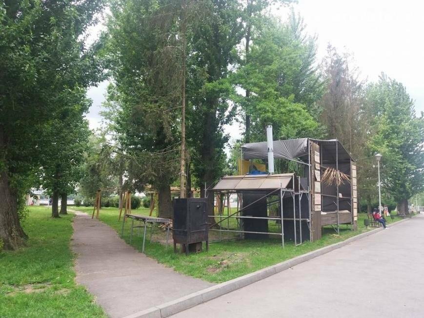 будки в парку ім.Шевченка