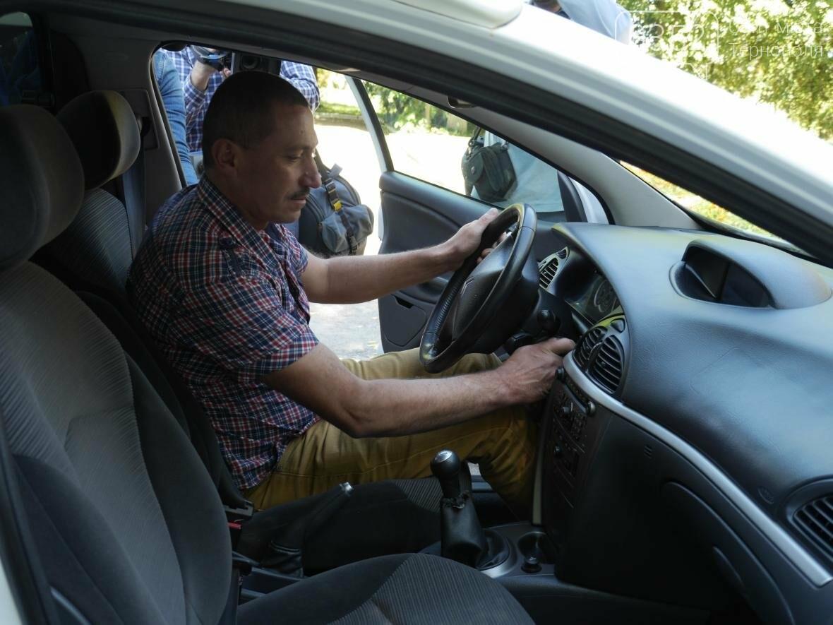 """""""МРІЯ"""" придбала автомобіль швидкої допомоги для Шумської центральної районної лікарні, фото-2"""