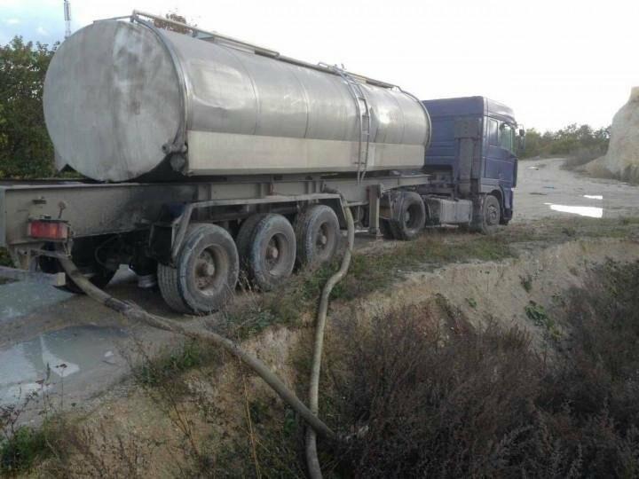 Водія, який зливав відходи у забороненому місці на Тернопільщині, оштрафували (фото), фото-1