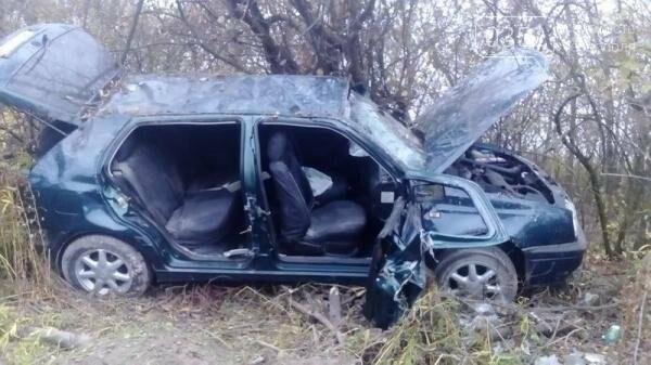 Внаслідок ДТП на Тернопільщині рятувальники вирізали пасажирів із автівки (фото), фото-1