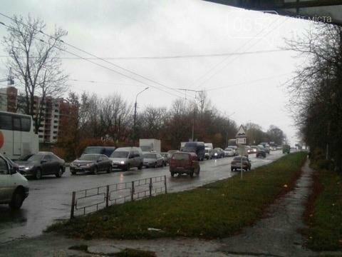 У Тернополі на Микулинецькій утворились величезні затори через ДТП на кільці (ФОТО), фото-4