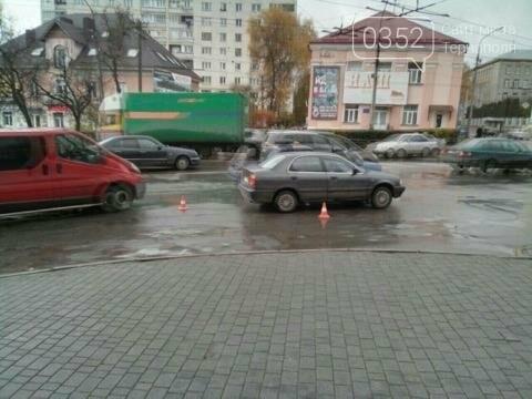 У Тернополі на Микулинецькій утворились величезні затори через ДТП на кільці (ФОТО), фото-1