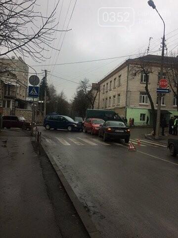 У Тернополі на перехресті вул. Танцорова - Паращука ДТП за участі трьох автомобілів (ФОТО), фото-3