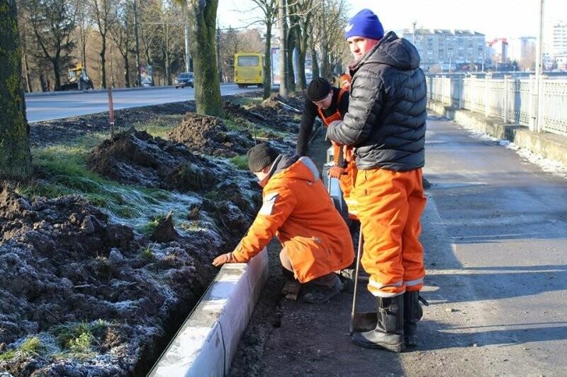 Ремонт тротуарів на дамбі Тернопільського ставу планують закінчити цього року, фото-3