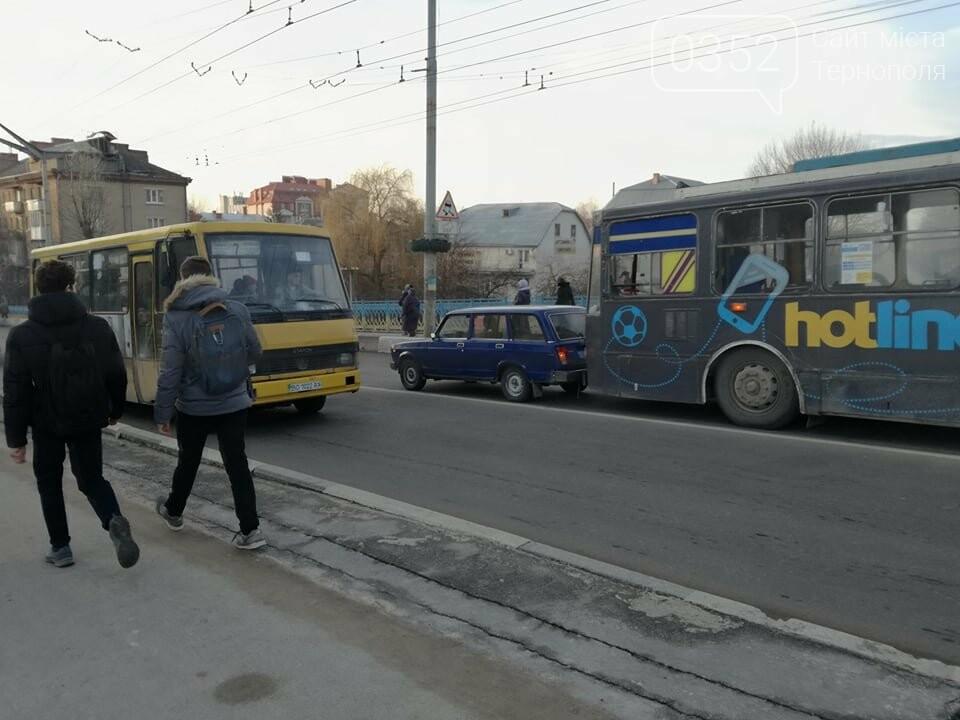 На залізничному мості у Тернополі ДТП за участі тролейбуса (ФОТО), фото-3