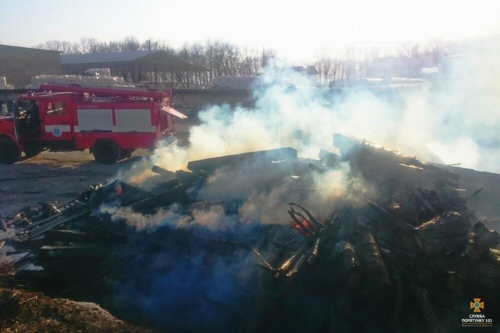 Вогонь знищив залізничні шпали на Тернопільщині (фото), фото-3