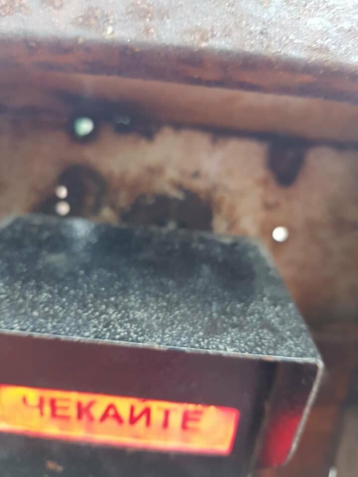 """""""Можливо, це нова технологія нашого міста?"""": на Тернопільщині корозія металу майже знищила світлофор (ФОТО), фото-3"""