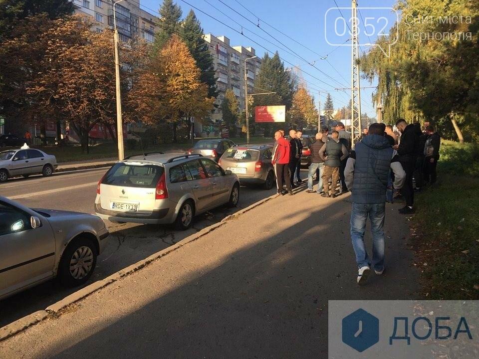 У Тернополі на «паливний» страйк виїхали водії, поблизу Збаразького кільця ускладнених рух транспорту (ФОТО, ВІДЕО), фото-4