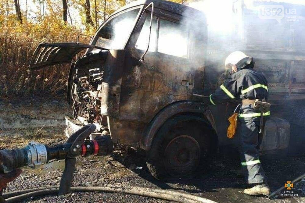 На Тернопільщині вщент згоріла вантажівка (фото), фото-1