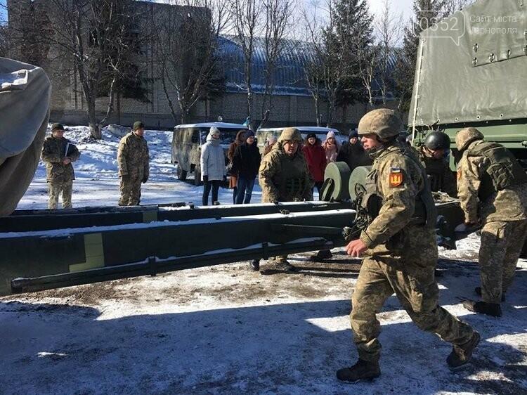 Школярі дізнавались, як живуть артилеристи на Тернопільщині (фото), фото-3