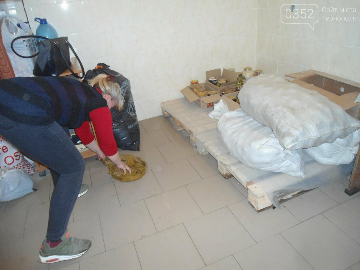 У Тернополі у багатоквартирному будинку постійно прориває каналізацію, затоплюючи підвальні приміщення благодійних організацій (ФОТО, ВІДЕО), фото-5