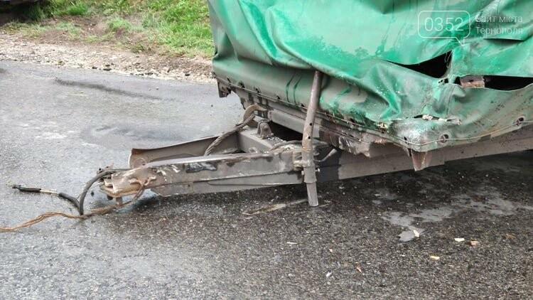 На Тернопільщині рейсовий автобус потрапив в ДТП (фото), фото-1