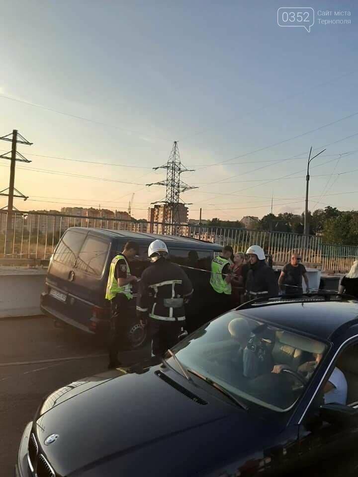 ДТП у Тернополі: на Гаївському мості внаслідок аварії заблоковано проїзд (ФОТО), фото-2