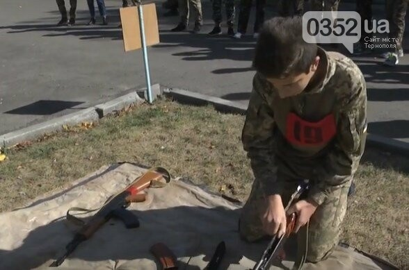 В тернопільському парку стріляли з гвинтівки та метали гранати (ФОТО), фото-3