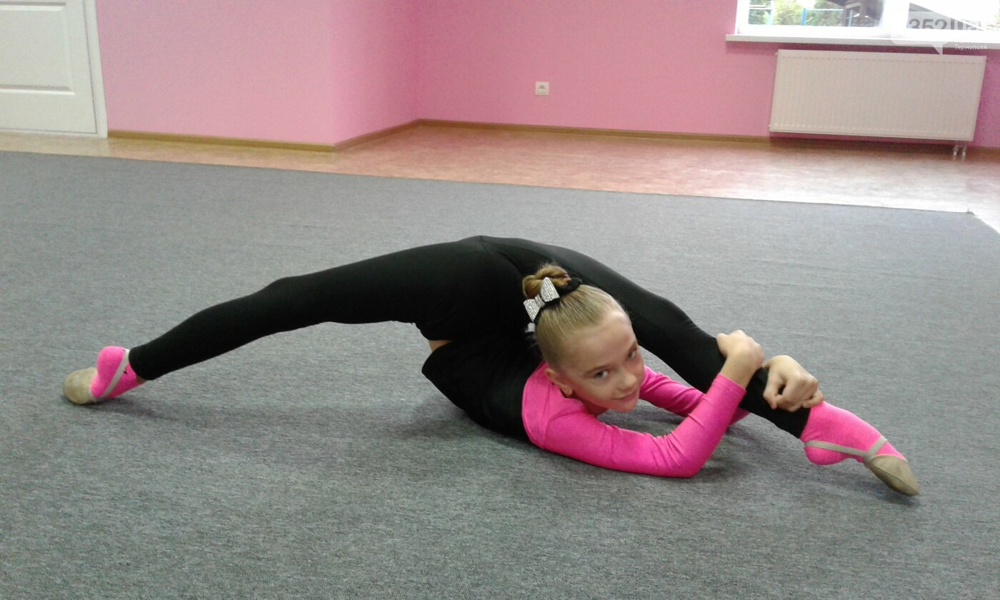 У Тернополі відкрили сучасну школу художньої гімнастики «Принцеса», фото-8