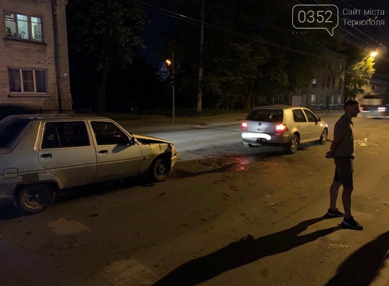 Внаслідок нічної ДТП у Тернополі двоє людей опинилися в лікарні (ФОТО), фото-2