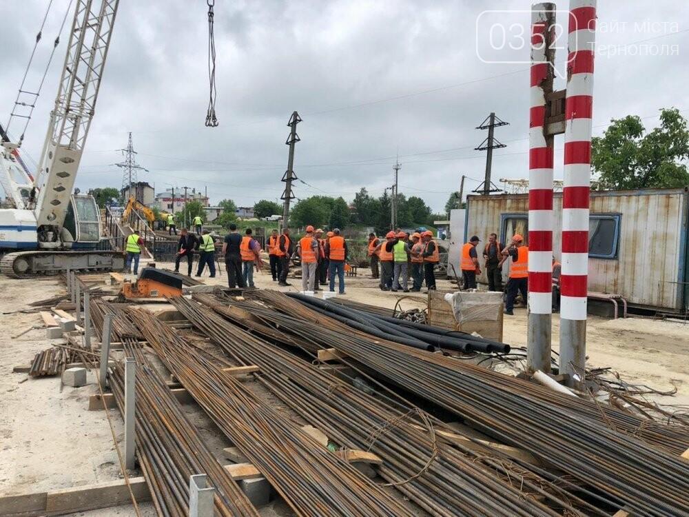 На Гаївському шляхопроводі у Тернополі робочі працюють у дві зміни (ФОТО), фото-1