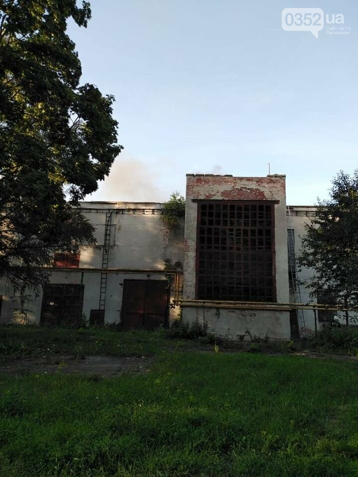 У Тернополі горіла текстильна фабрика (ФОТО), фото-3