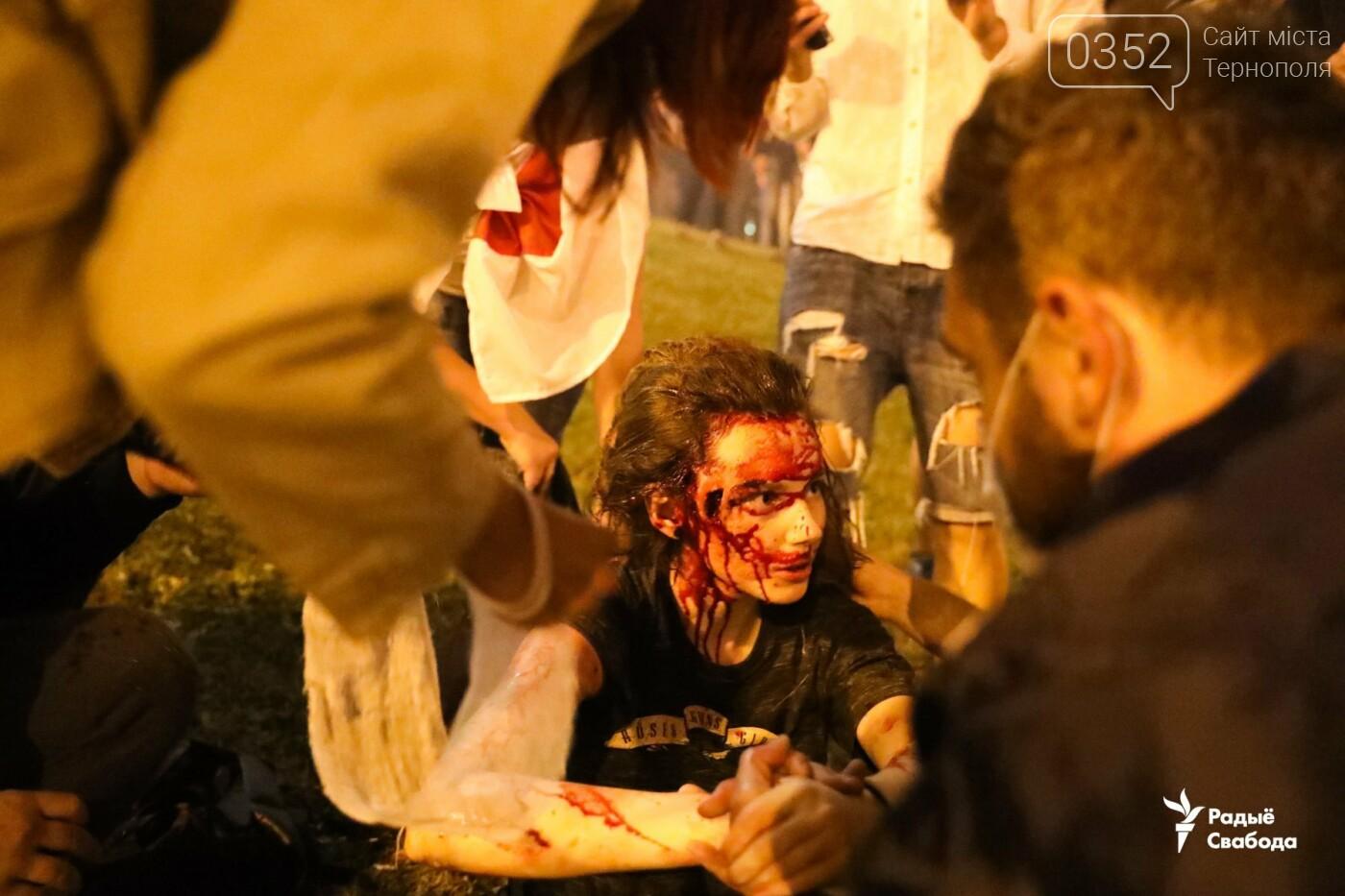 Білорусь прокинулась: країну охопили протести , а у кількох містах  ОМОН опускає щити і стає на сторону протестувальників (ФОТО, ВІДЕО), фото-1