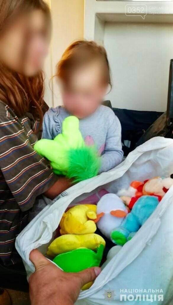 20-річна жінка повісилася разом із дитиною на руках (ФОТО), фото-2