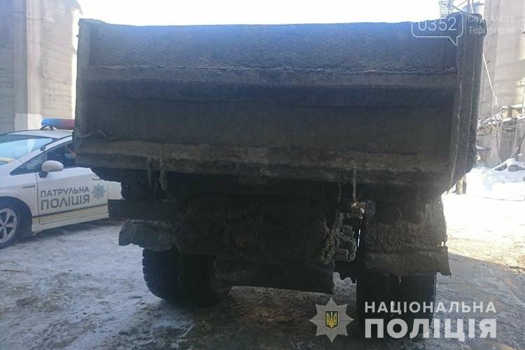 Смертельна ДТП у Тернополі: жінку підім'яло під колеса вантажівки (ФОТО), фото-1