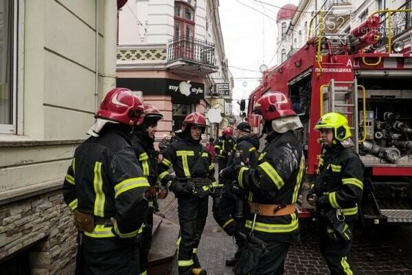 Евакуація в центрі Тернополя: рятувальники показали наслідки пожежі (ФОТО), фото-2