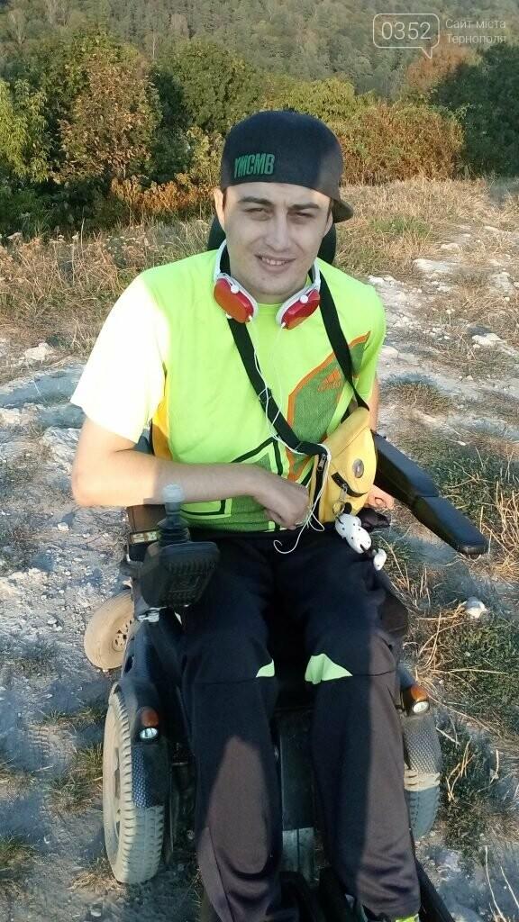 28-річний кременчанин уже 10 років бореться за мрію стати на ноги (ФОТО), фото-1