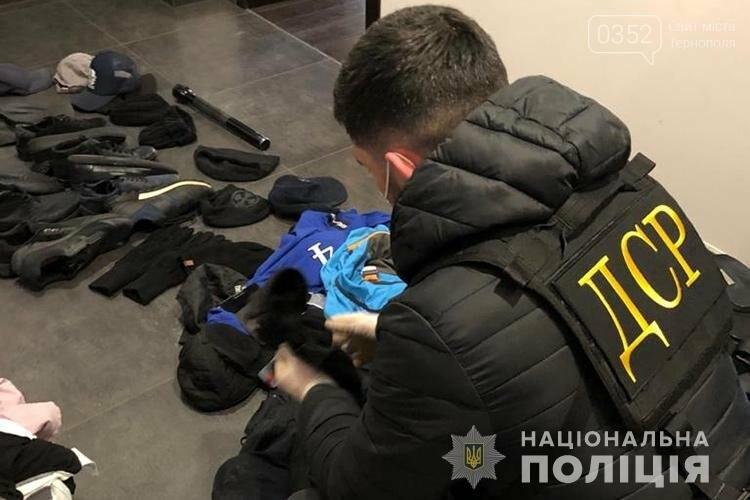 Діяльність організованої злочинної групи, яка тероризувала жителів Західної України, ліквідували (ФОТО), фото-1
