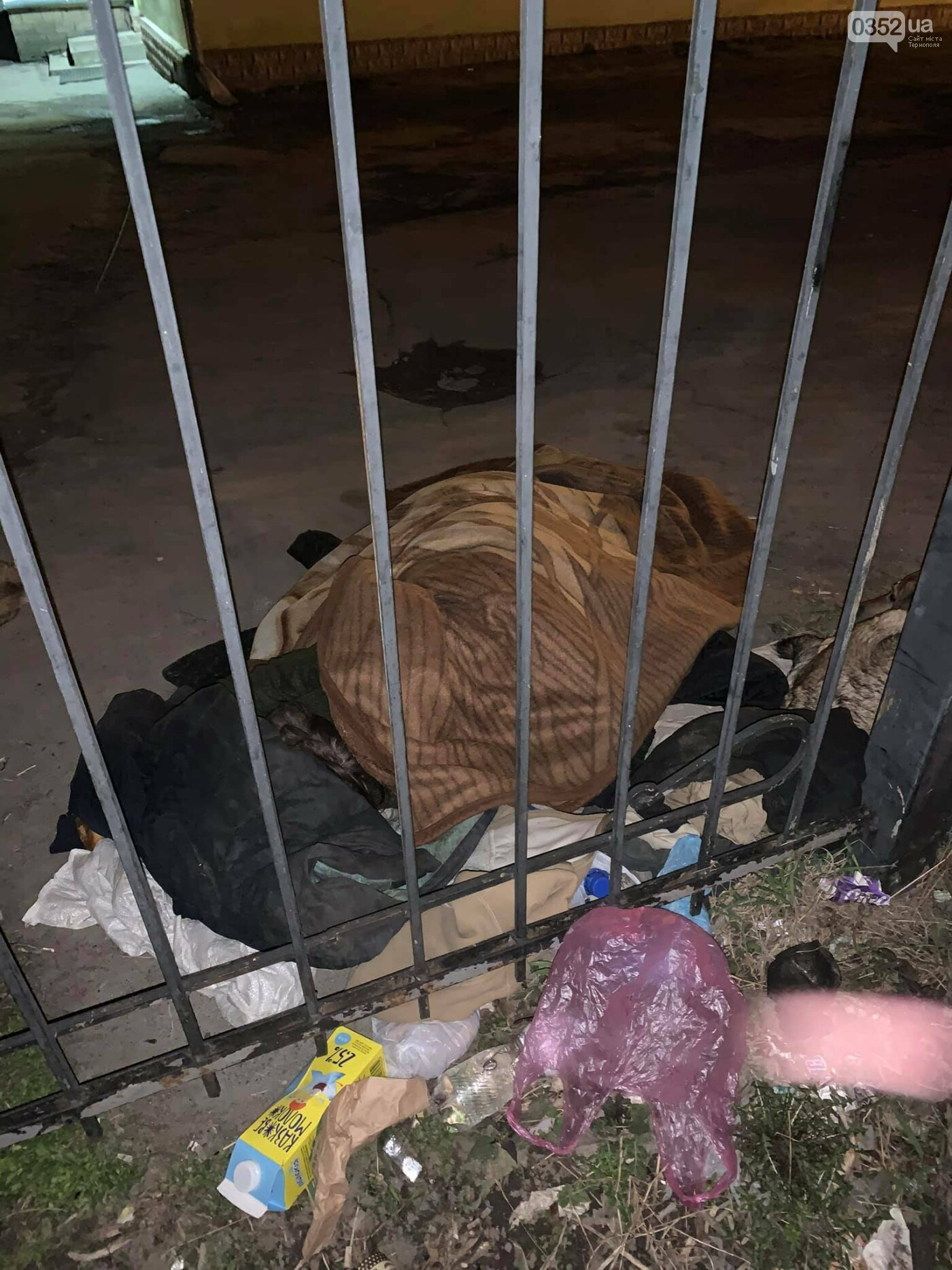 """""""Її нема кому оплакувати"""": в Тернополі жінка померла просто на вулиці (ФОТО), фото-2"""
