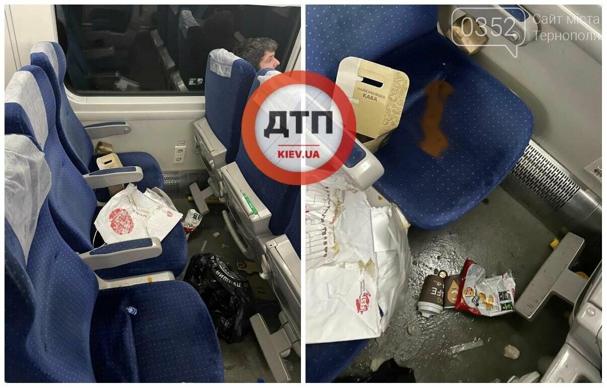 """Пасажири перетворили вагон потягу """"Інтерсіті"""" на свинарник: """"це би...ство, просто дно"""" (ФОТО), фото-1"""