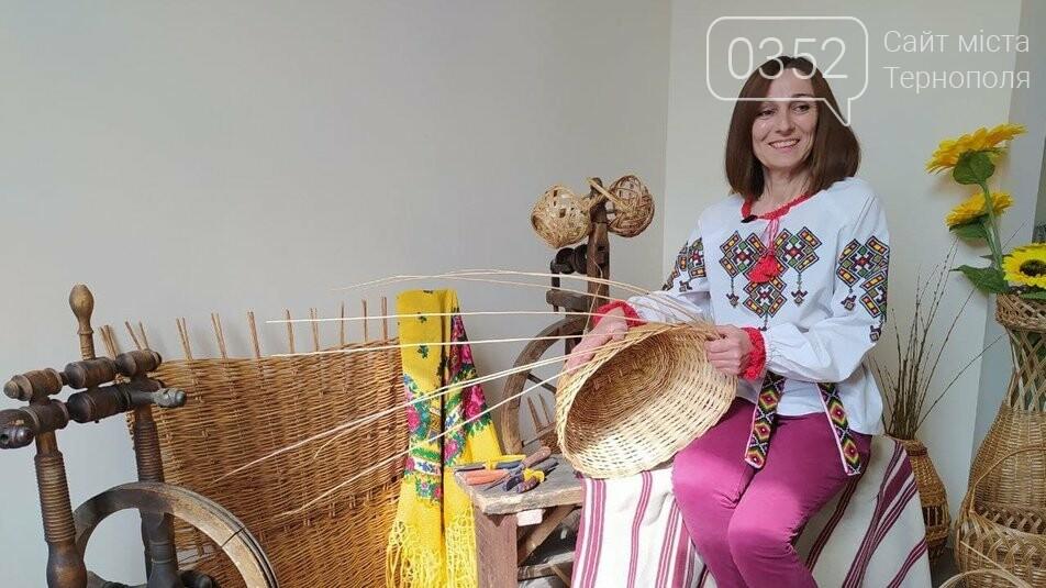 Майстриня з Тернопільщини сплела із лози п'ять гігантських кошиків, висотою по два метри (ФОТО) , фото-3