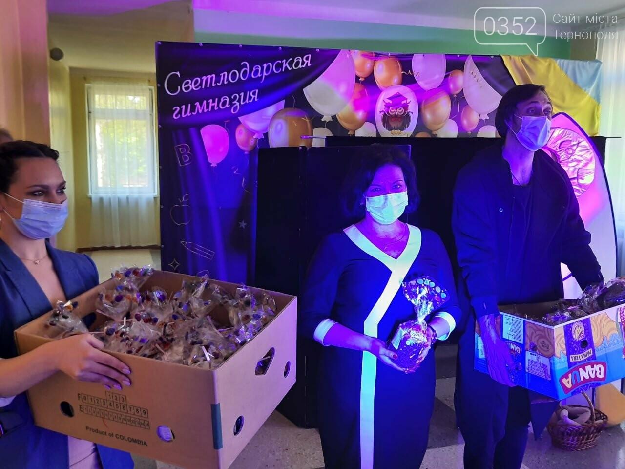Більше ніж благодійність: «АТБ» передала три тисячі великодніх подарунків дітям із «сірої» зони Донбасу, фото-3