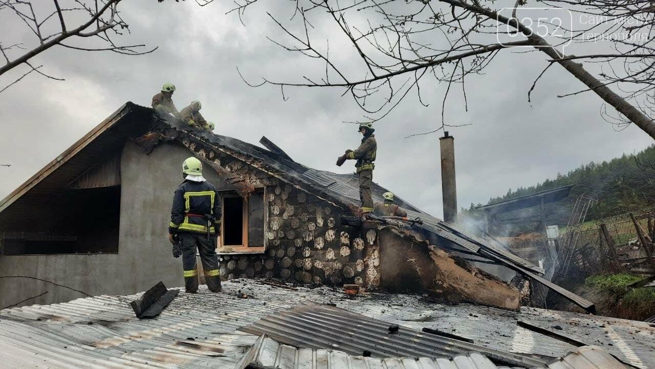 Пожежа у Монастириськах : вночі спалахнув житловий будинок, фото-2