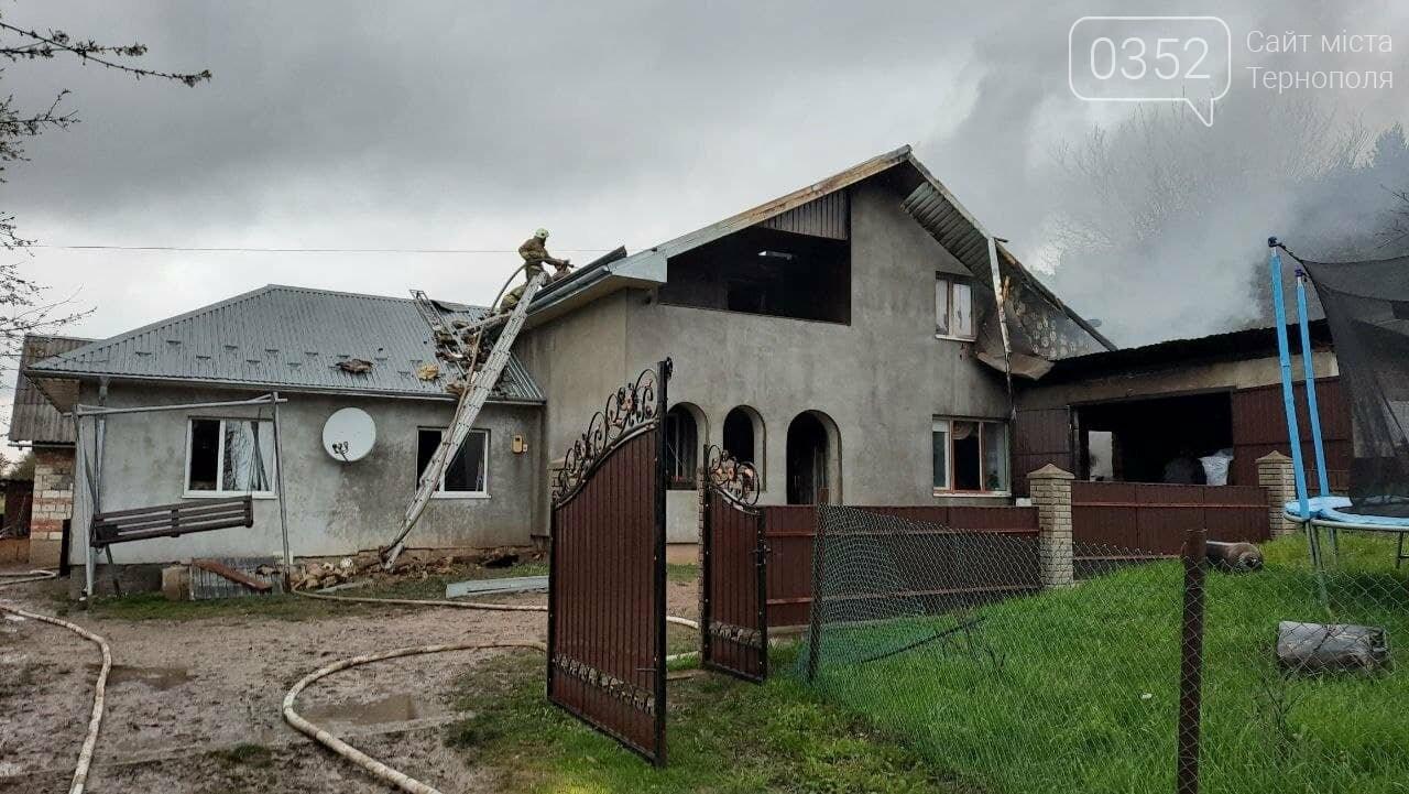 Пожежа у Монастириськах : вночі спалахнув житловий будинок, фото-4