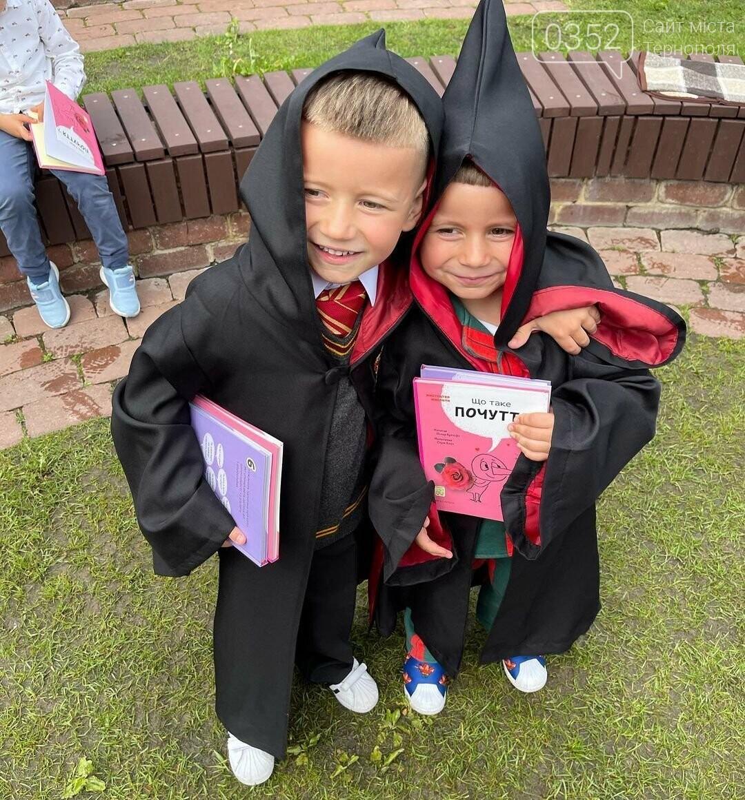 """""""Сльози струмком"""": дружина  MONATIK показала фото з випускного їхніх синів (ФОТО), фото-3"""