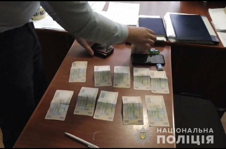 """Результат пошуку зображень за запитом """"У Тернополі водій """"під мухою"""" намагався підкупити поліцейських"""""""