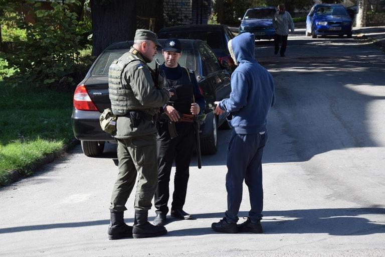 Штурм та звільнення заручників: на Тернопільщині відбулись масштабні антитерористичні навчання (ФОТО), фото-2