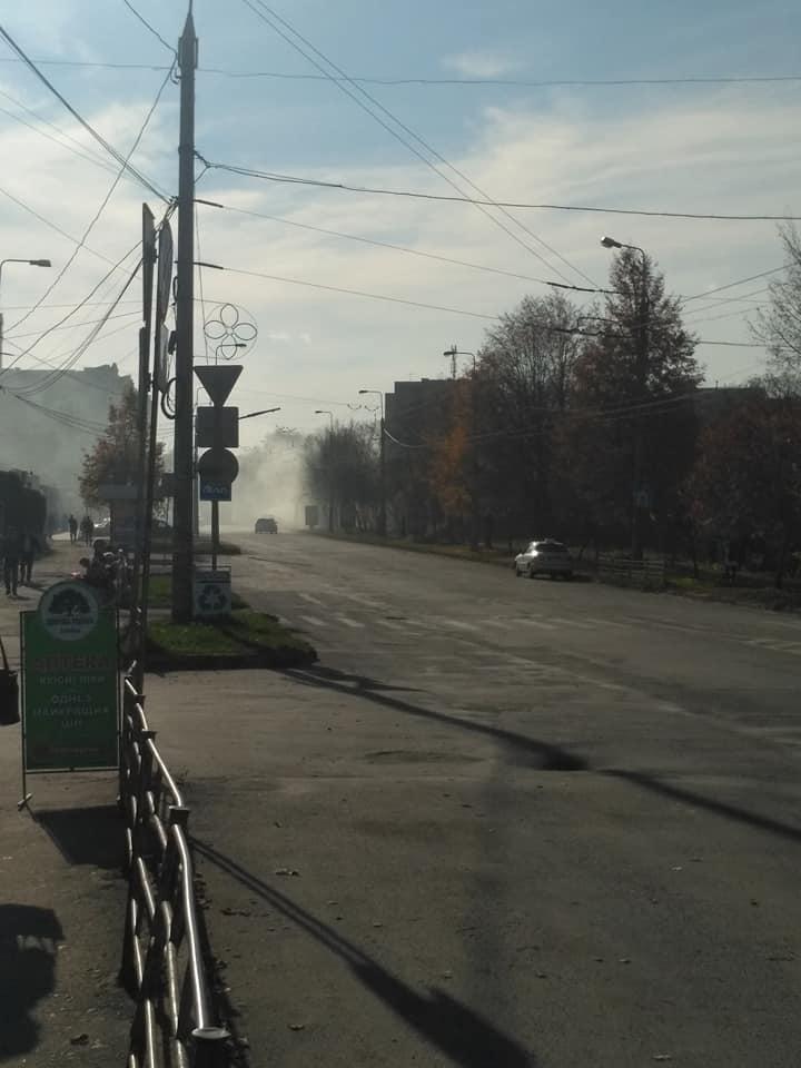 """У Тернополі """"Аляска"""" знаходиться у диму (фото), фото-2"""