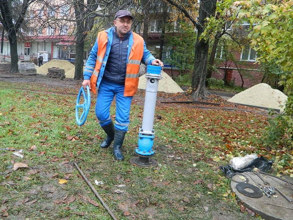 Що відбувається у Тернополі, коли водоканал промиває мережі? (фото), фото-1