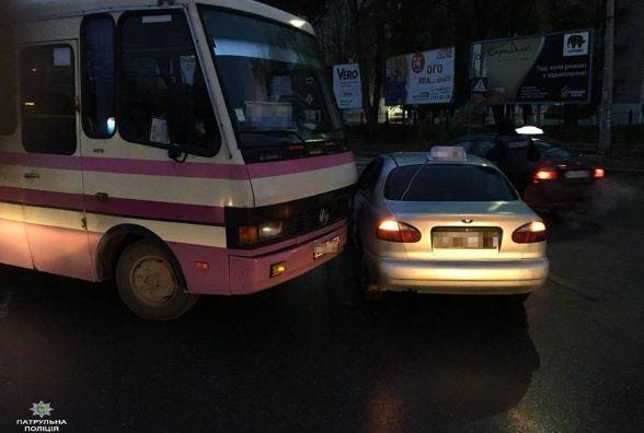 В Тернополі не розминулися таксі та рейсовий автобус (фото), фото-1