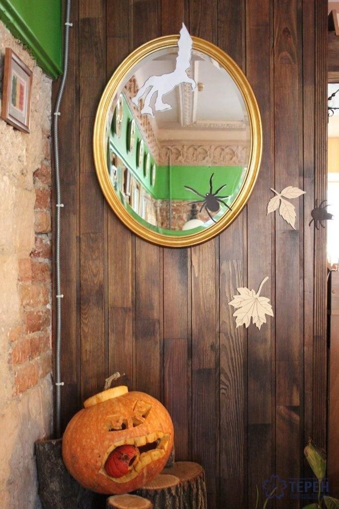 """Тернополян у ніч Хелловіну у барах обслуговували """"закривавлені"""" бармени та офіціантки-монстри (Фоторепортаж), фото-1"""