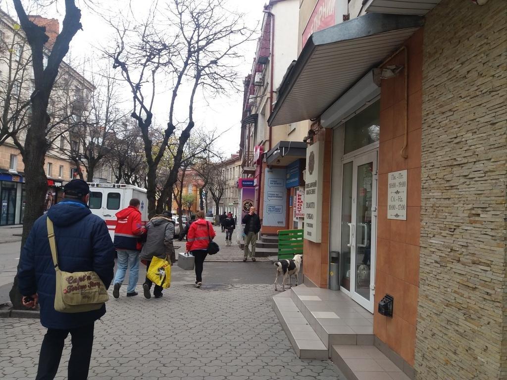 У центрі Тернополя лежав непритомний чоловік (фото), фото-1