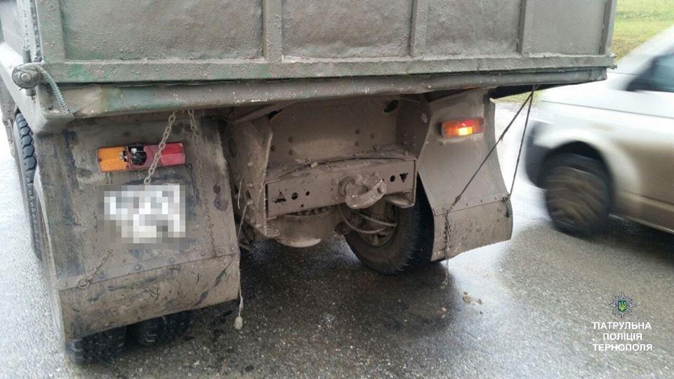 У Тернополі на Микулинецькій аварія: зіштовхнулись джип та КамАЗ (ФОТО), фото-1