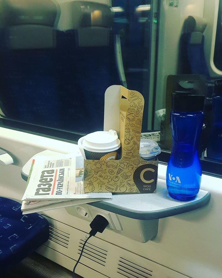 """""""Телевізор не працює, а wifi лише у 5-му вагоні"""", - тенополянка поділилась враженнями про новий двоповерховий поїзд (ФОТО), фото-1"""