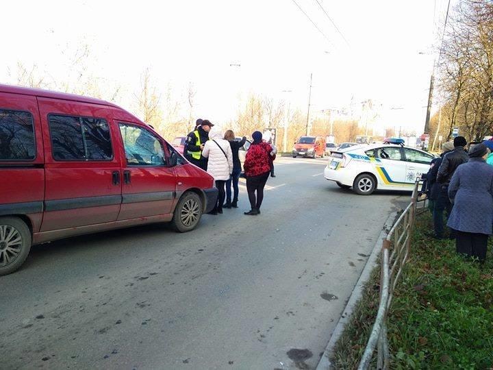 На Тарнавського іномарка збила 10-річного школяра (фото) , фото-1