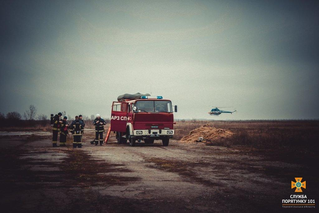 У Тернополі в аеропорті підпалили літак (фото), фото-3