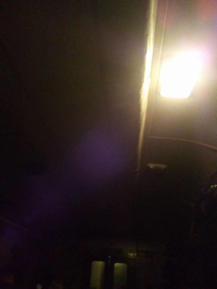 В холодному, брудному і темному вагоні Укрзалізниця везе тернополян до Львова (ФОТО), фото-1