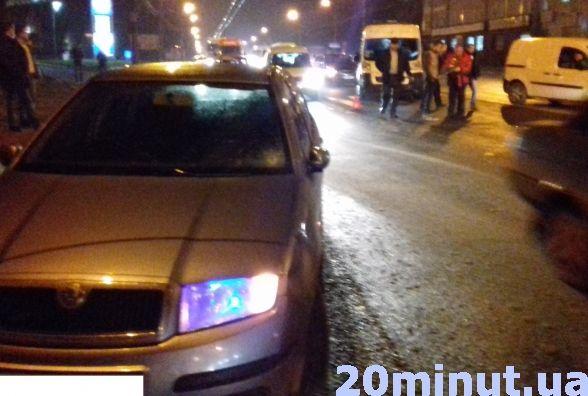 У Тернополі на Микулинецькій аварія: водій збив жінку на пішохідному переході (ФОТО+ВІДЕО), фото-1