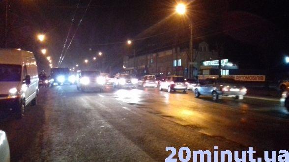 У Тернополі на Микулинецькій аварія: водій збив жінку на пішохідному переході (ФОТО+ВІДЕО), фото-2
