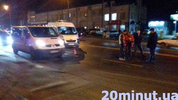 У Тернополі на Микулинецькій аварія: водій збив жінку на пішохідному переході (ФОТО+ВІДЕО), фото-3